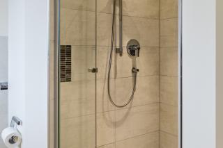 Bad-Renovierung Feldkirchen-Westerham mit bodenebener Dusche